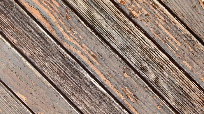 Farba na drevo exterier odolá počasiu