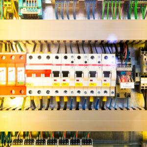 Elektrický rozvádzač a bezpečnosť